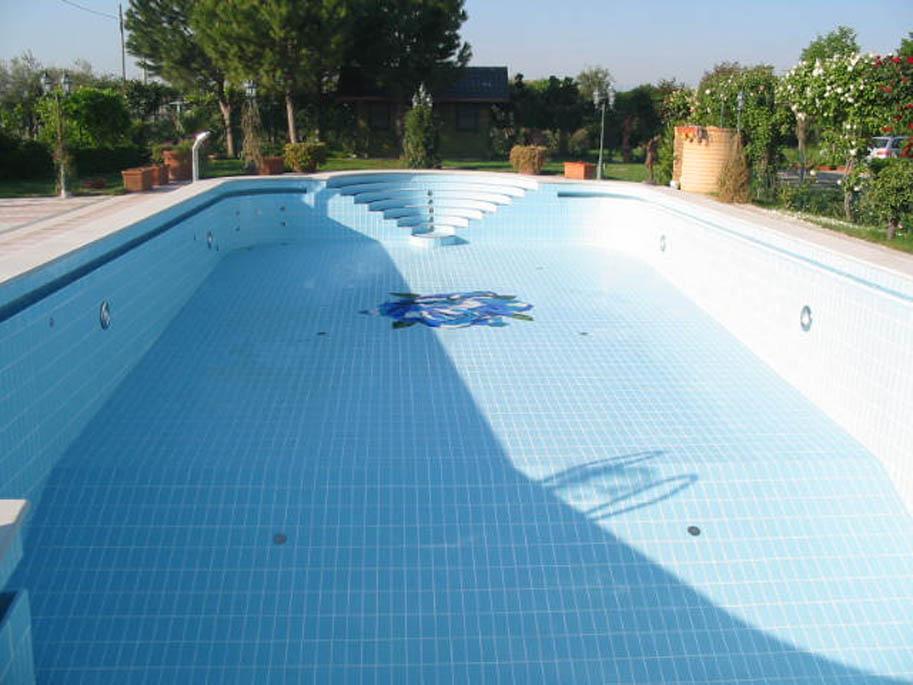 7 Realizzazione di piscine