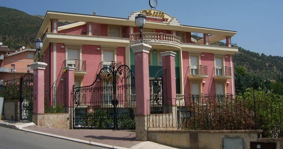 Costruzione di Hotel Ristorante,sito nel comune di SAN GIOVANNI ROTONDO (FG).Hotel Savoia